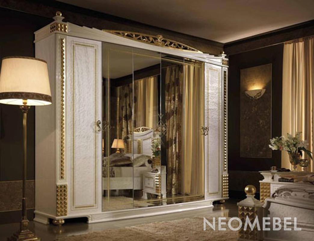 Шкаф шестидверный с 4 зеркалами.